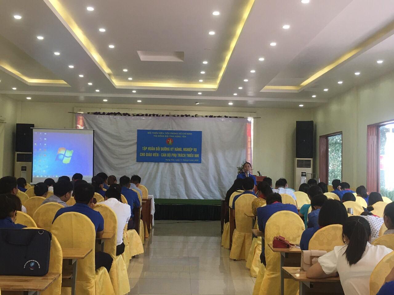 Hưng Yên: Tập huấn bồi dưỡng kỹ năng, nghiệp vụ cho cán bộ Hội Sinh viên các trường và giáo viên-cán bộ phụ trách thiếu nhi