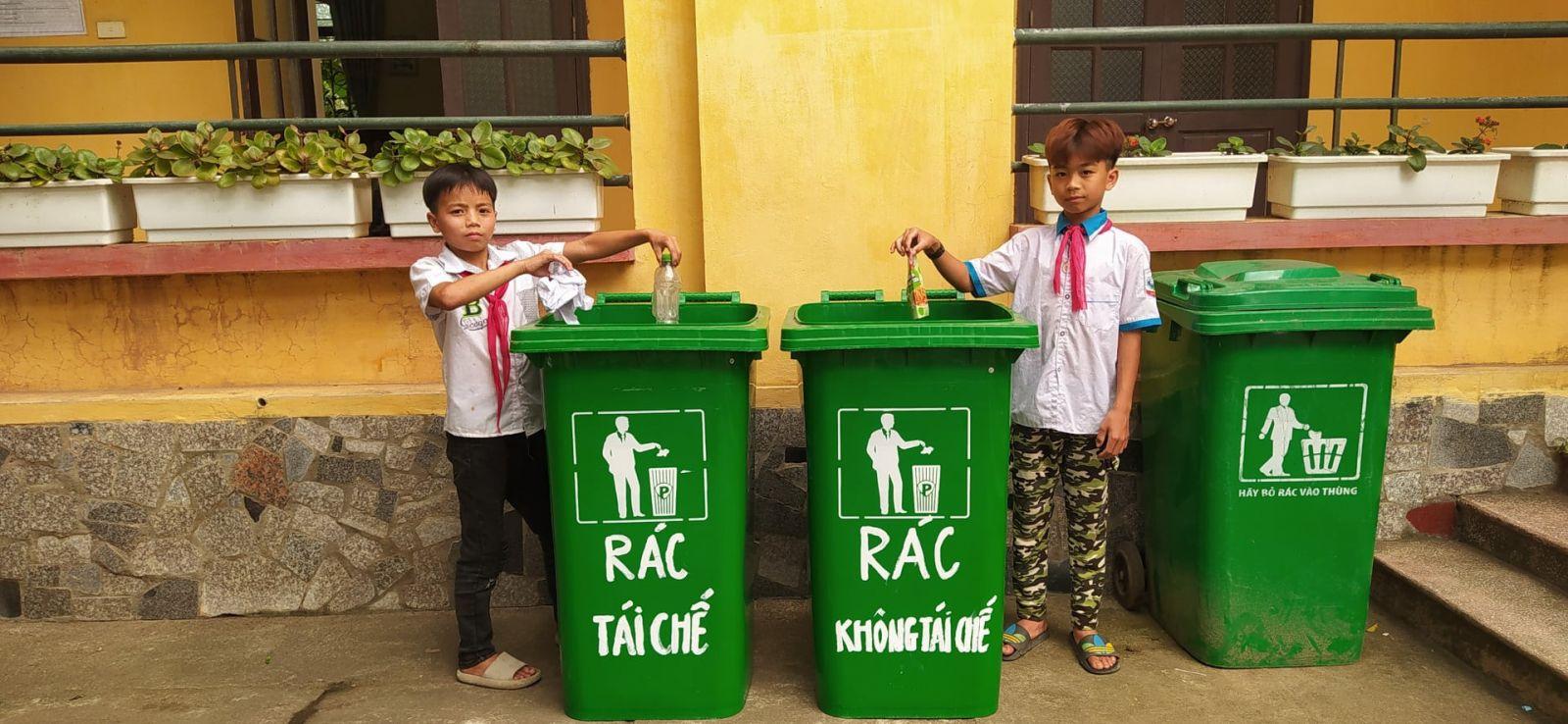 """Thiết thực mô hình """"Phân loại rác thải"""" trong trường học"""