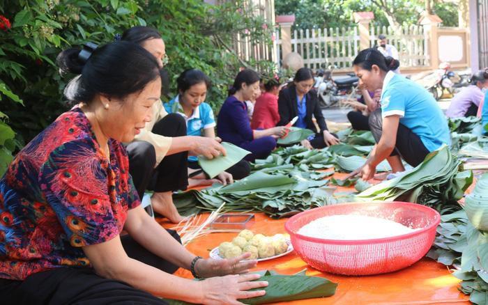 Phụ nữ Hưng Yên học tập và làm theo tư tưởng, đạo đức, phong cách Hồ Chí Minh
