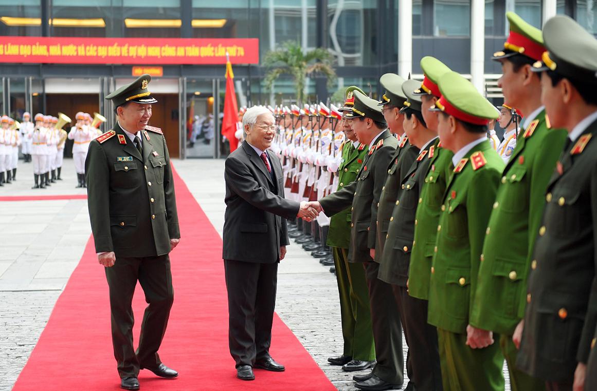 Công an nhân dân thực hành đạo đức cách mạng theo tư tưởng Hồ Chí Minh