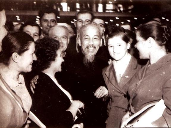 Hồ Chí Minh trong mắt giới nghiên cứu phương Tây