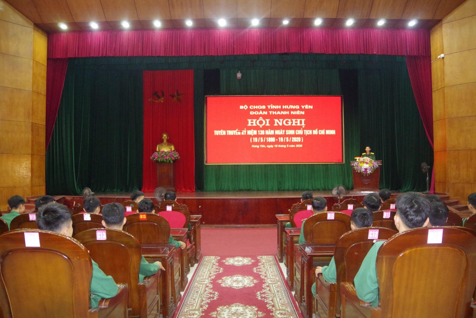 Đoàn TN Bộ CHQS tỉnh tuyên truyền kỷ niệm 130 năm Ngày sinh Chủ tịch Hồ Chí Minh