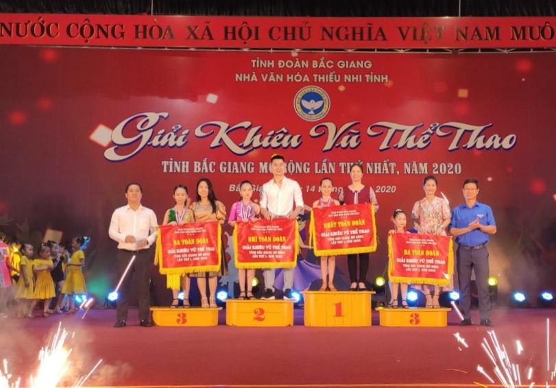 Hưng Yên tham gia giải Khiêu vũ thể thao tỉnh Bắc Giang mở rộng