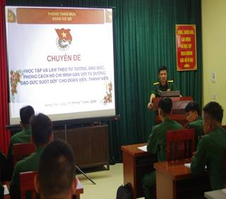 Đoàn Thanh niên Bộ CHQS tỉnh  tổ chức huấn luyện lý luận chính trị 02chuyên đề