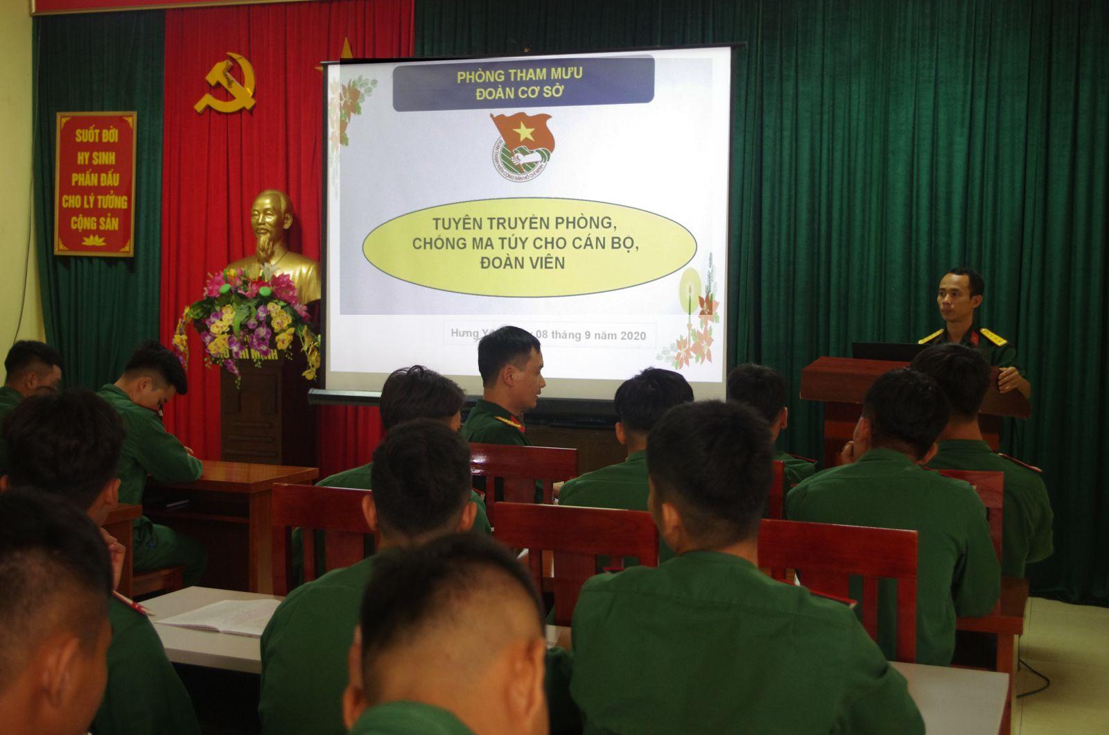 Đoàn TN Bộ CHQS tỉnh tổ chức tuyên truyền phòng, chống ma túy cho cán bộ, đoàn viên