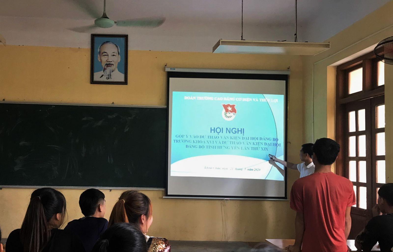 Đoàn trường Cao đẳng Cơ điện Thủy lợi tổ chức Hội nghị góp ý vào Dự thảo văn kiện Đại hội Đảng các cấp
