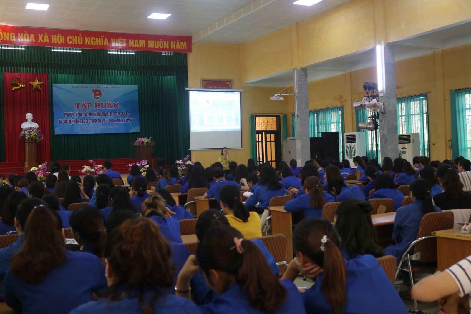 Hưng Yên tổ chức tập huấn truyền thông phòng, chống HIV/AIDS, viêm gan B,C và các bệnh nhiệt đới cho đoàn viên, thanh niên