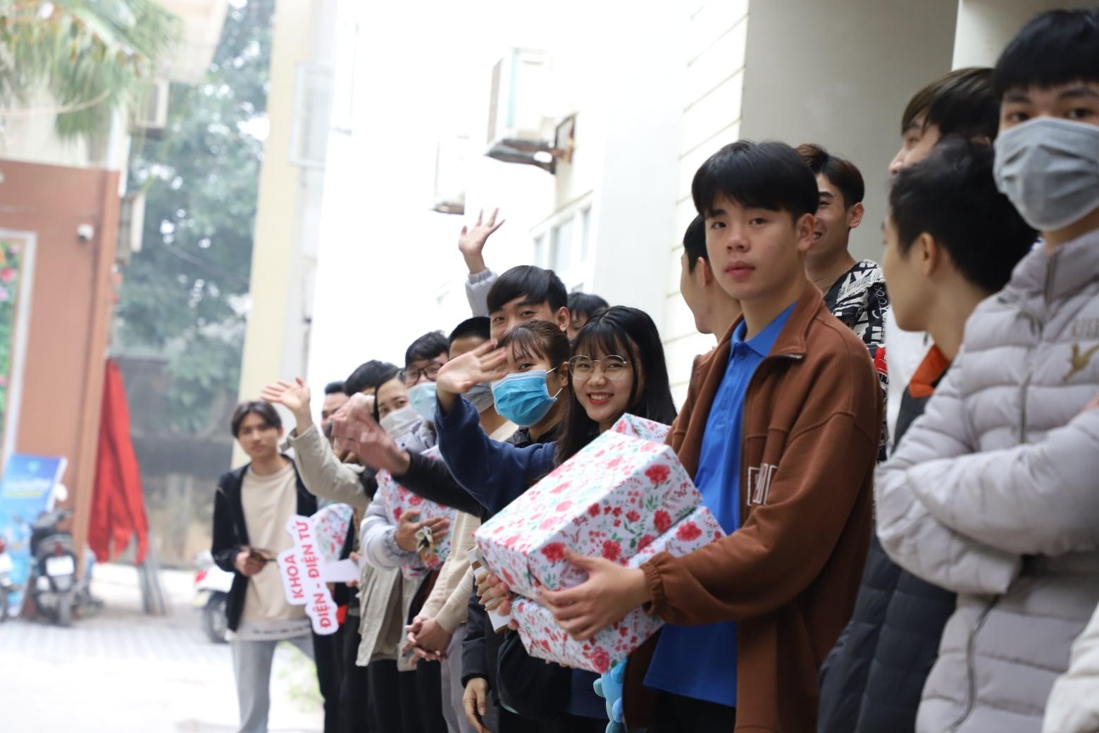 Triển khai hoạt động hỗ trợ sinh viên về quê đón Tết nguyên đán