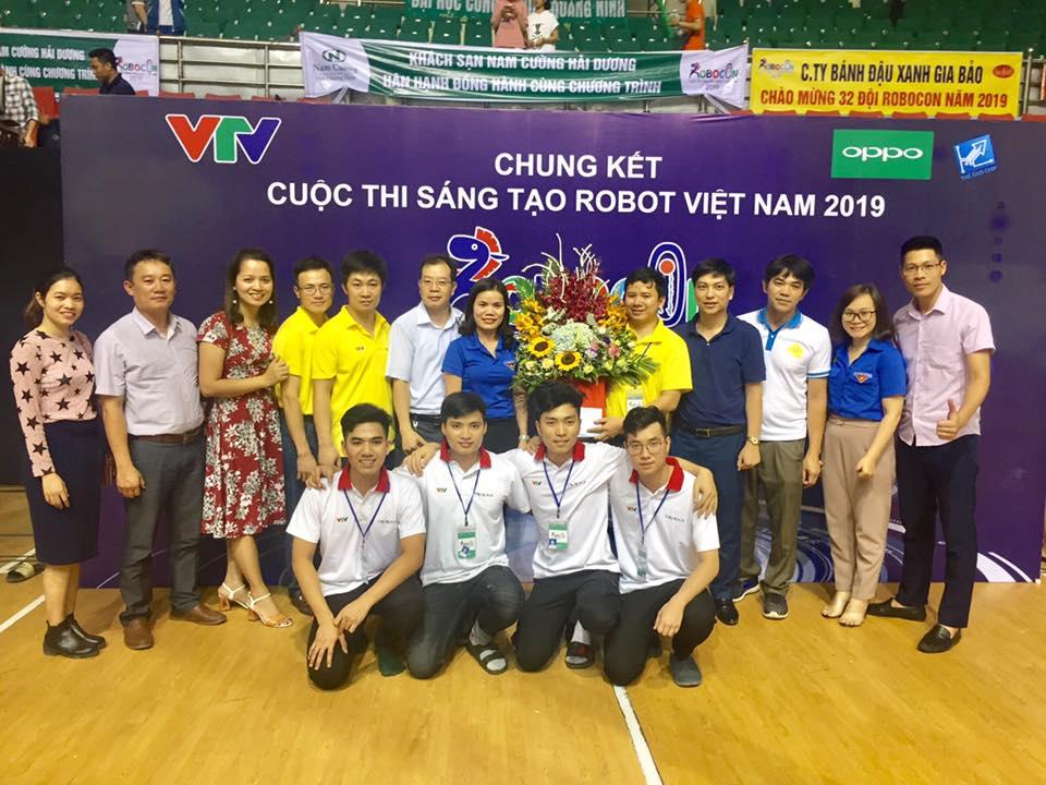 Đại học Sư phạm kỹ thuật Hưng Yên giành giải Nhì cuộc thi Robocon Việt Nam 2019