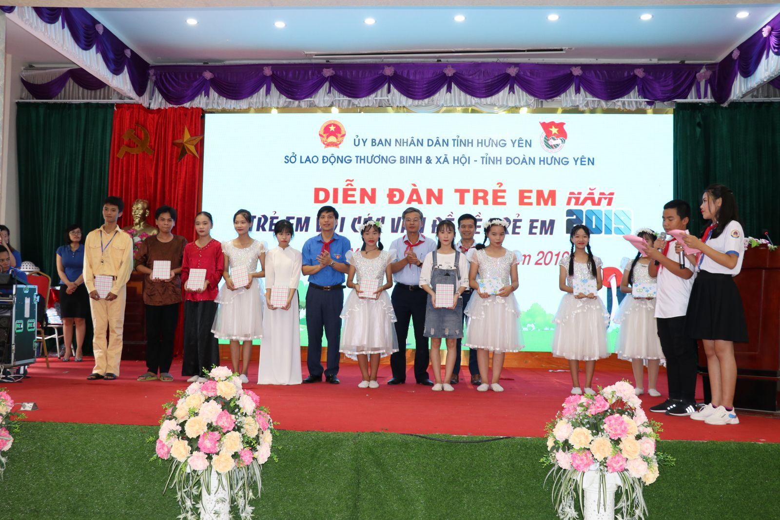 Diễn đàn trẻ em và Chương trình đối thoại giữa Lãnh đạo tỉnh Hưng Yên với thiếu nhi năm 2019