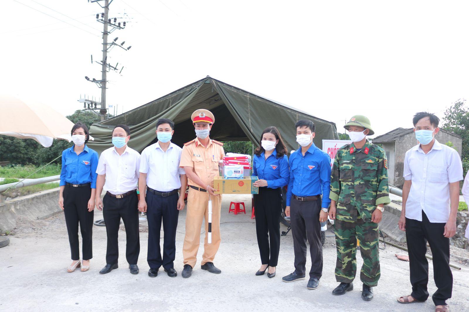 Tuổi trẻ tỉnh Hưng Yên chung tay hỗ trợ huyện Phù Cừ  phòng, chống dịch bệnh Covid-19