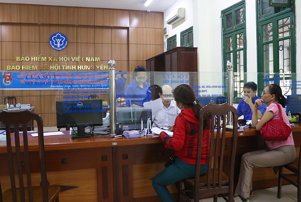 Ban Thường vụ Tỉnh Đoàn chỉ đạo ra quân Ngày thứ bẩy tình nguyện  giải quyết các thủ tục hành chính cho người dân trong Tháng Thanh niên  năm 2019
