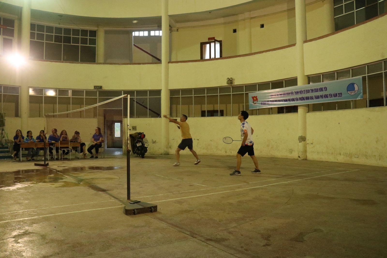 Giao lưu thể thao giữa đoàn viên, thanh niên cơ quan Tỉnh đoàn Hưng Yên với đoàn viên, thanh niên giáo xứ Thành phố Hưng Yên