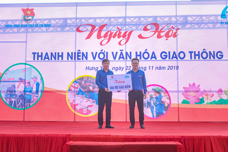 """Trung ương Đoàn TNCS Hồ Chí Minh phối hợp với Ủy ban An toàn giao thông Quốc gia tổ chức """"Ngày hội thanh niên với Văn hóa giao thông 2019"""""""