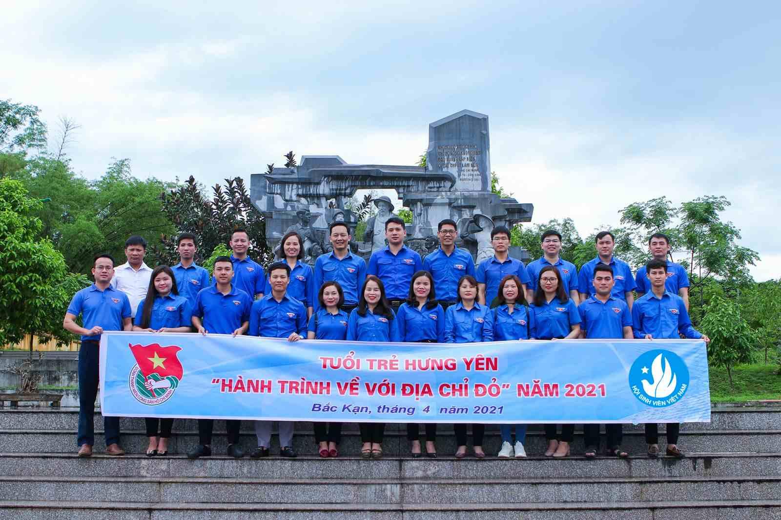 Tỉnh đoàn - Hội Sinh viên Việt Nam tỉnh thăm Khu di tích lịch sử Nà Tu tỉnh Bắc Kạn