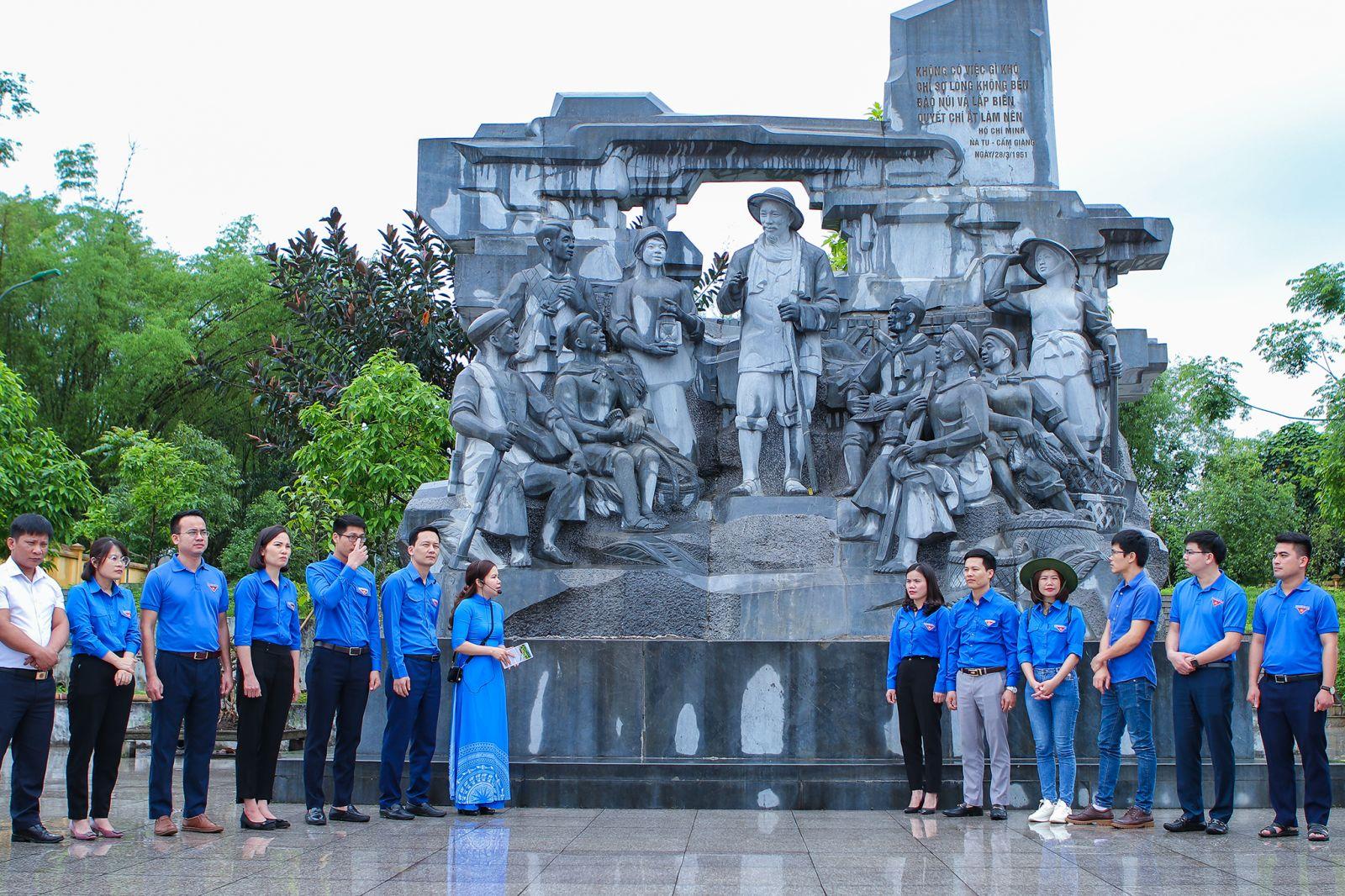 Tỉnh đoàn Hưng Yên khánh thành công trình thanh niên cấp tỉnh  và thăm địa chỉ đỏ tại tỉnh Bắc Kạn