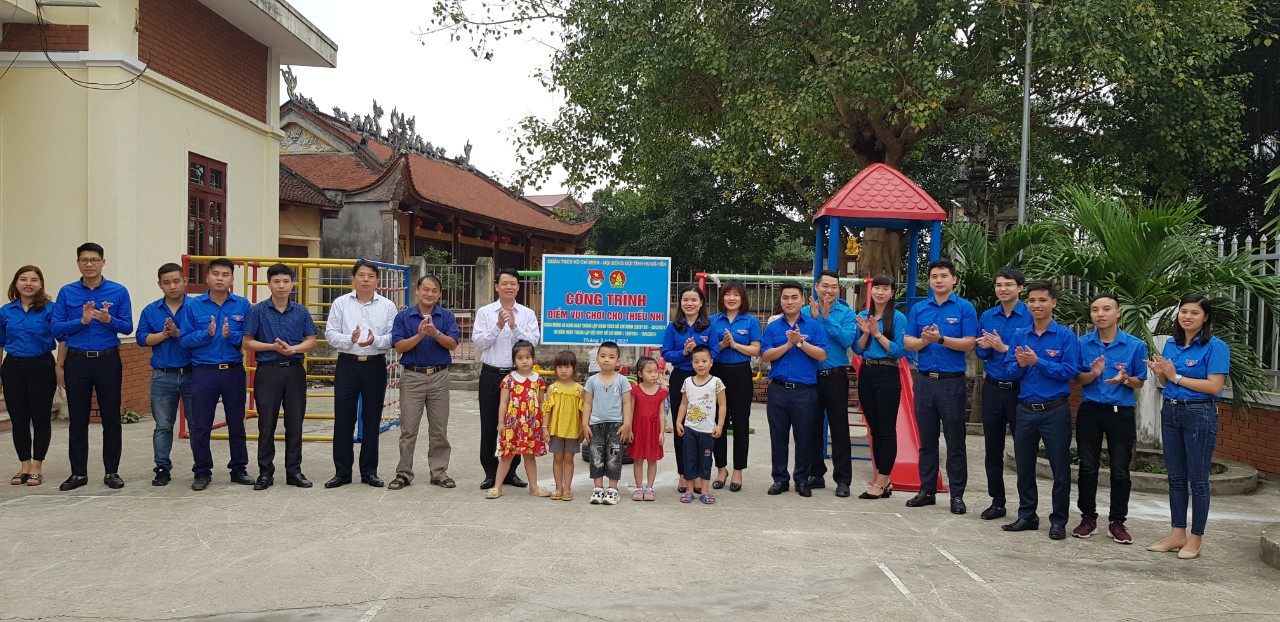 Tỉnh đoàn, Hội đồng Đội tỉnh khánh thành điểm vui chơi cho thiếu nhi xã Dương Quang