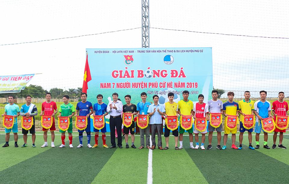 Ủy ban Hội LHTN Việt Nam huyện Phù Cừ, Ban Thường vụ Huyện đoàn tổ chức giải bóng đá nam huyện Phù Cừ hè 2019