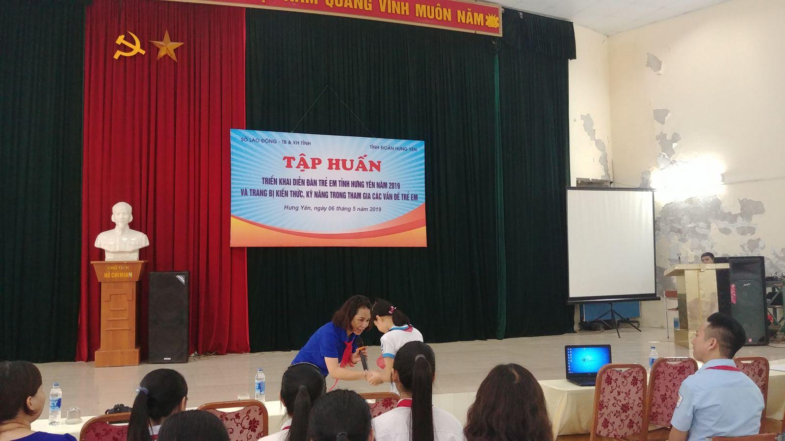 Tỉnh đoàn Hưng Yên tập huấn trang bị kiến thức, kỹ năng thúc đẩy quyền tham gia của trẻ em vào các vấn đề trẻ em