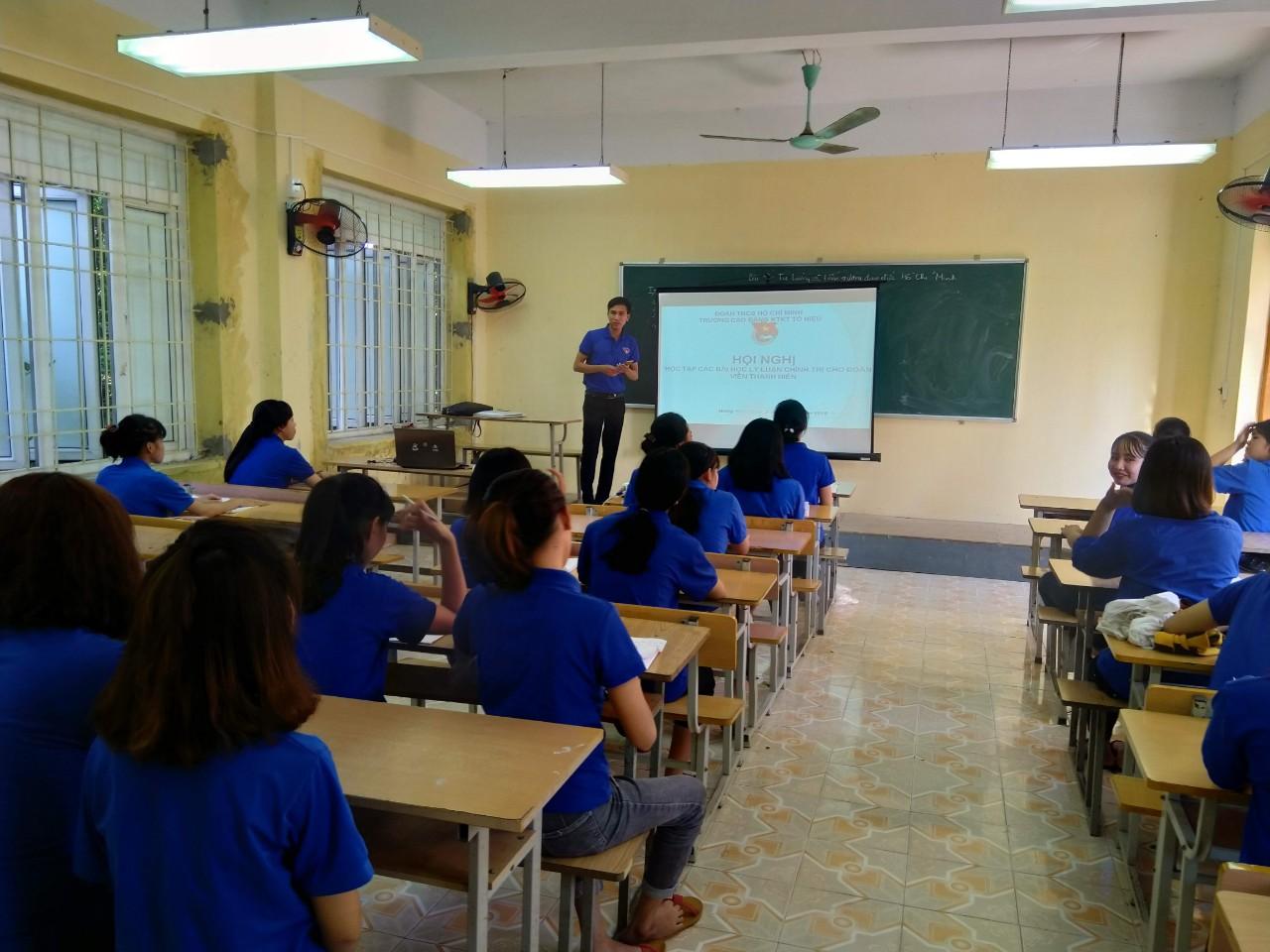 Đoàn trường Cao đẳng Kinh tế kỹ thuật Tô Hiệu tổ chức Hội nghị học tập các bài học Lý luận chính trị cho đoàn viên, thanh niên
