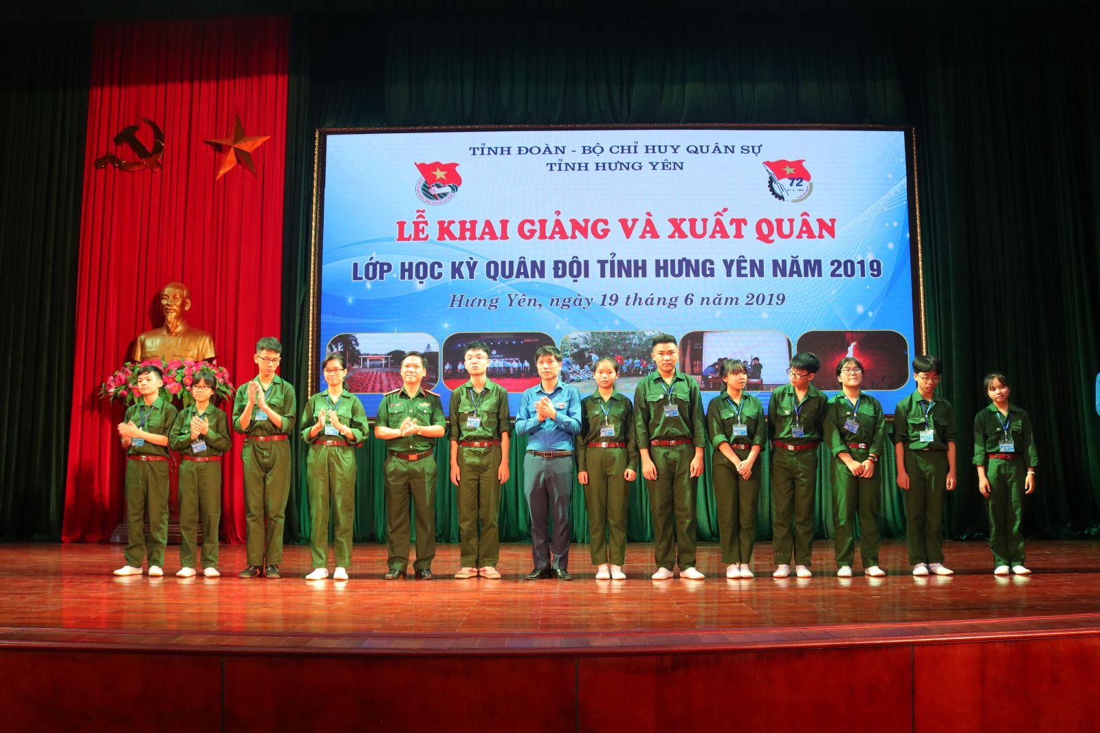 Lễ khai giảng và xuất quân Lớp Học kỳ quân đội  tỉnh Hưng Yên năm 2019