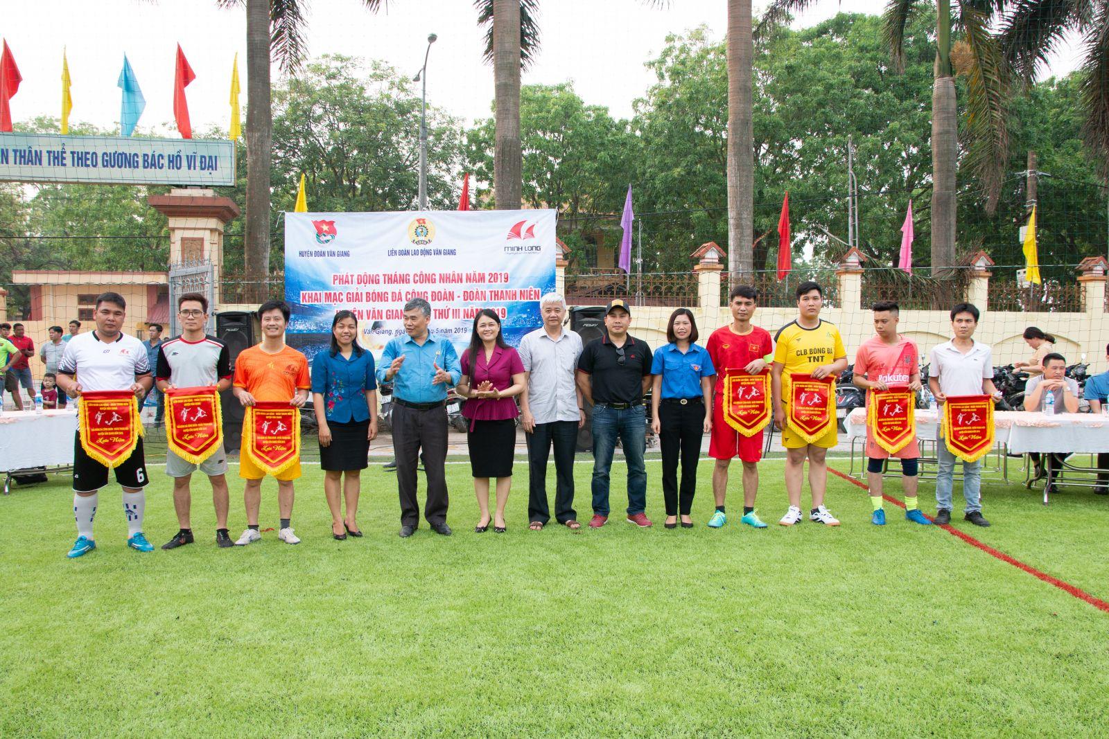 Văn Giang khai mạc giải bóng đá Công đoàn – Đoàn Thanh niên lần thứ III năm 2019