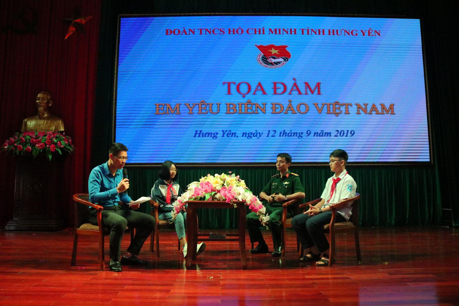 """Tỉnh đoàn tổ chức Tọa đàm """"Em yêu biển, đảo Việt Nam"""""""