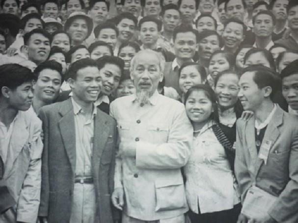 Chủ tịch Hồ Chí Minh - ngày này năm xưa: Tháng 10