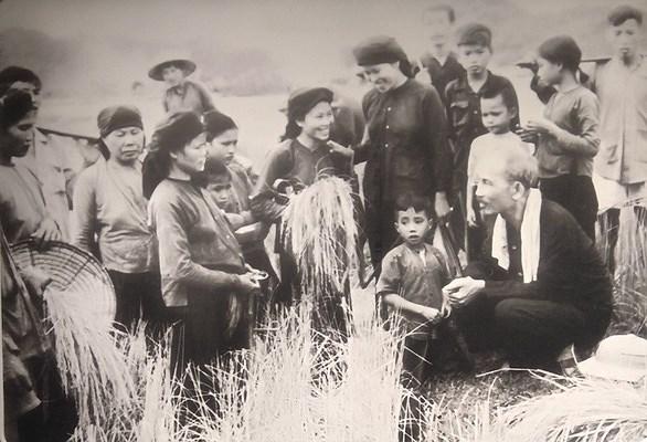 """Di huấn Hồ Chí Minh về """"cần kiệm liêm chính, chí công vô tư"""""""